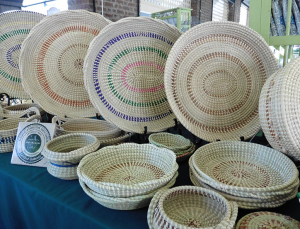 A perfect client gift for Charleston events are local seagrass baskets.