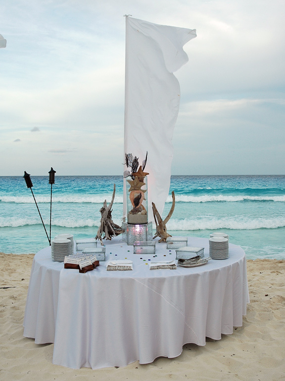 Dinner by the Sea - Cancun Corporate Event